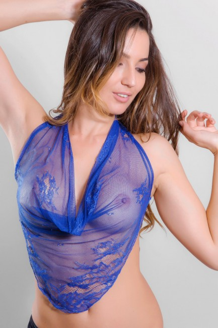 Top dentelle bleu transparent Léa
