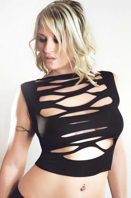 Top Vanessa : ajourée dans le dos et sur le devant