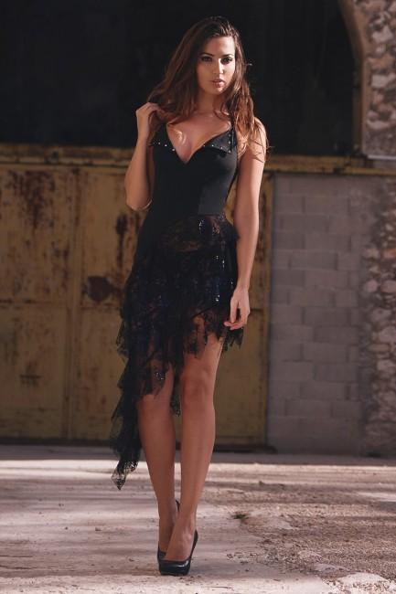 Robe longue sexy Olympe - decolleté plongeant, robe dentelle asymétrique